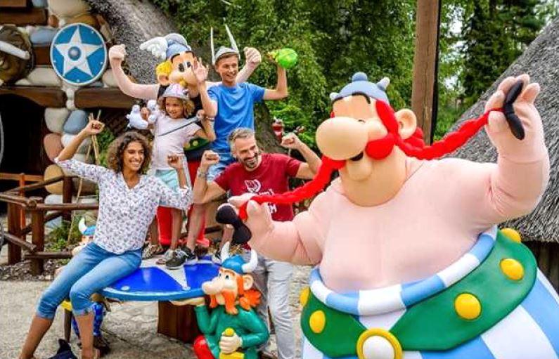 Asterix Park se deschide, de obicei, in primele zece zile ale lunii aprilie si se desfasoara pana la sfarsitul lunii octombrie.