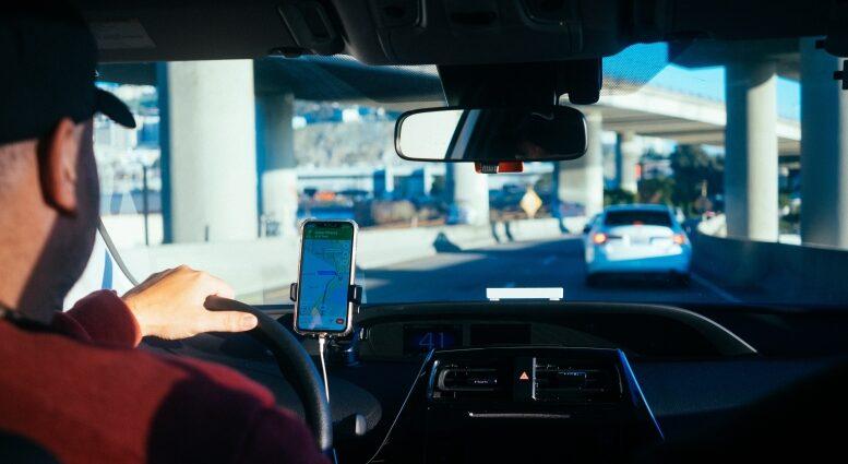 Avantajul serviciilor rent a car in Otopeni pentru companii