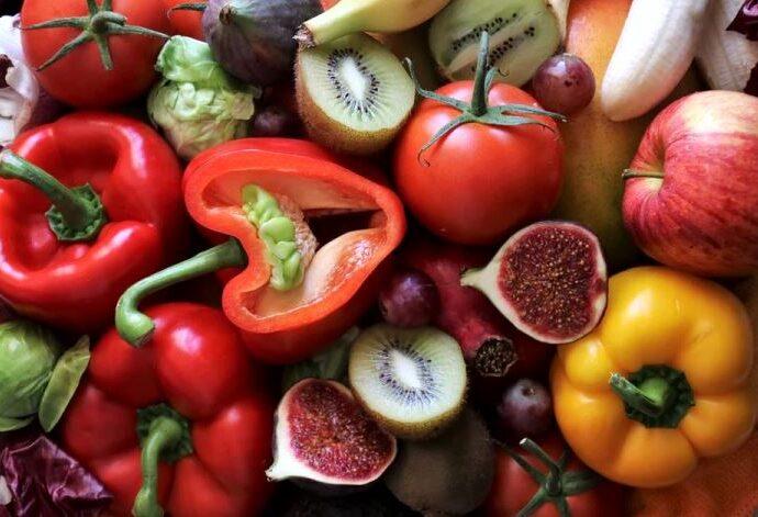 Vitamina c este mai concentrata in fructele si frunzele care au stat in soare